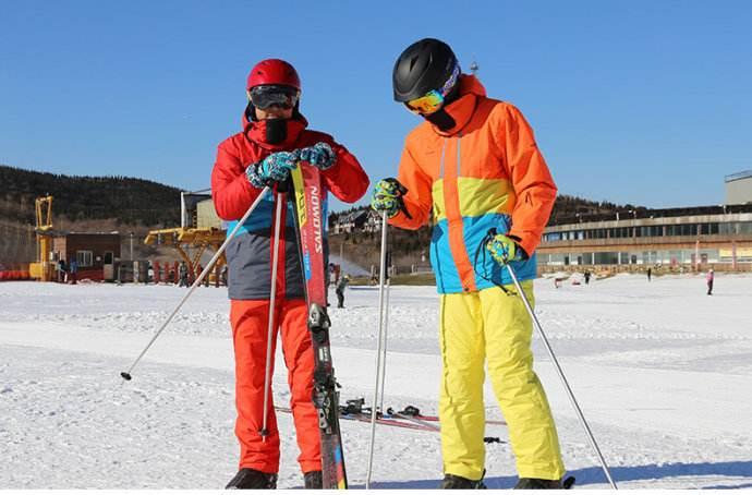 滑雪服的选择